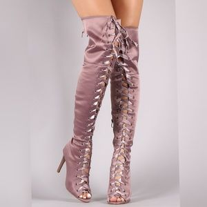 🚨7, 8, 8.5🚨Lace Up Satin Boots 💕PRICE FIRM💕